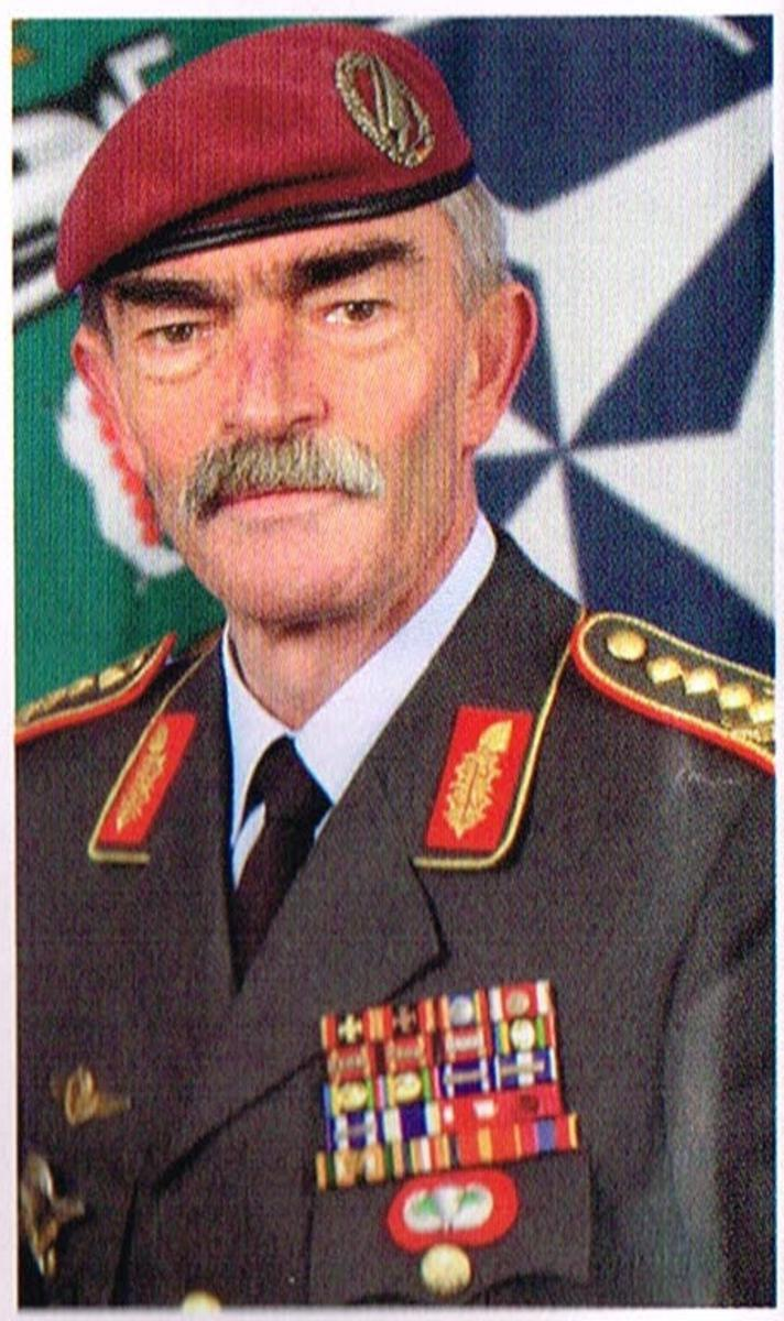 Hans Lothar 4star general